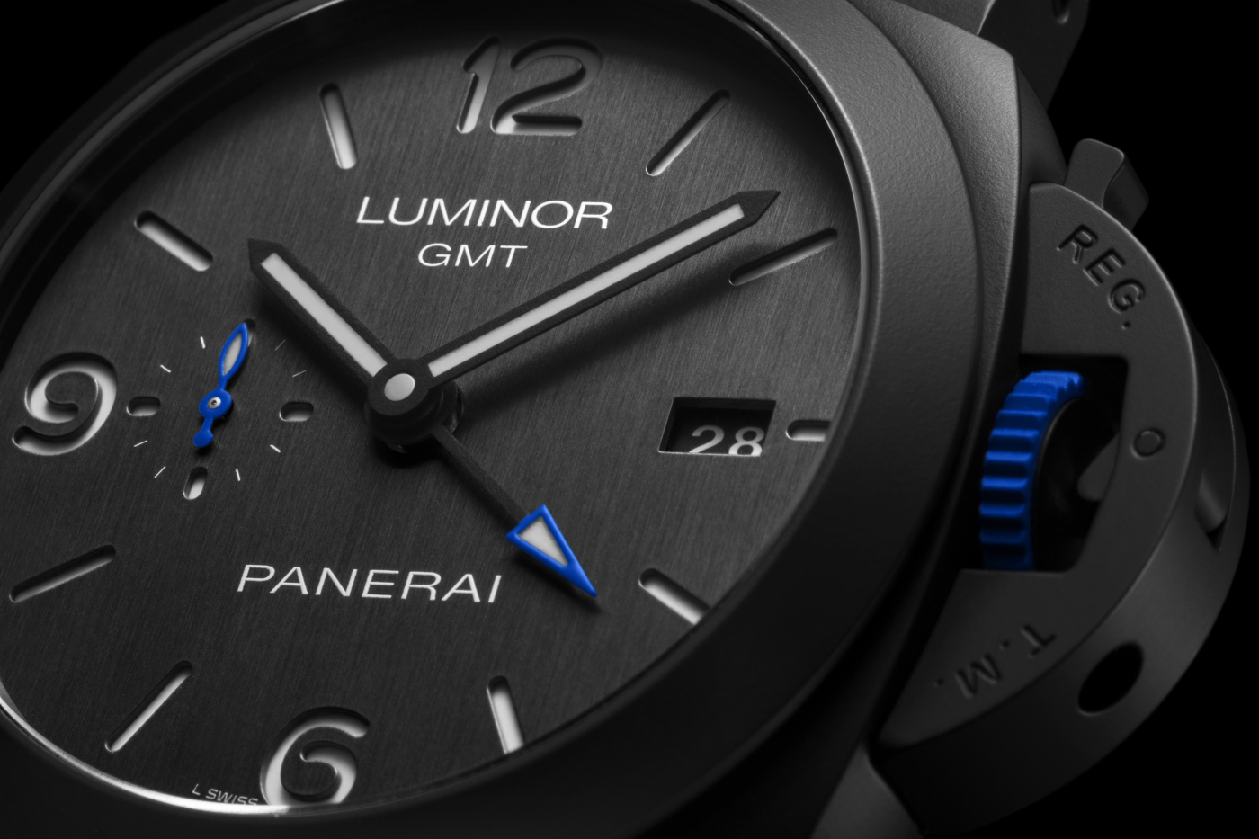 Panerai_luminor_gmt_Bucherer_blue_2_-_Europa_Star_watch_magazine_2020