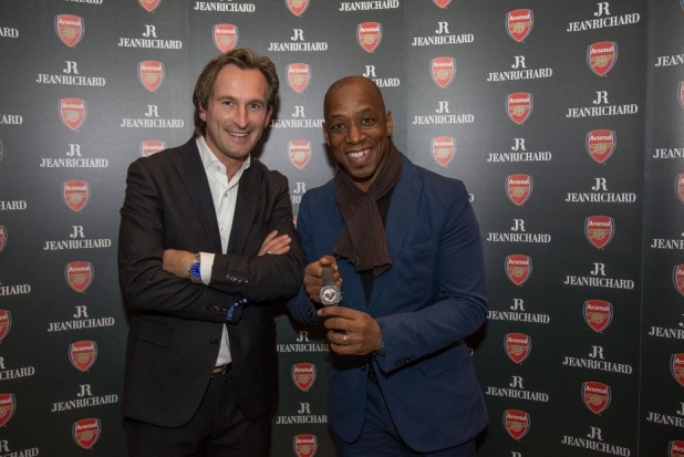 Bruno Grande CEO de JenRichard y Ian Wright mostrando el Terrascope Chrono Arsenal
